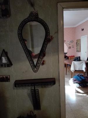 Espejo con soporte hierro y repisa