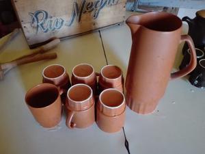 Juego de 6 tazas con jarra de ceramica