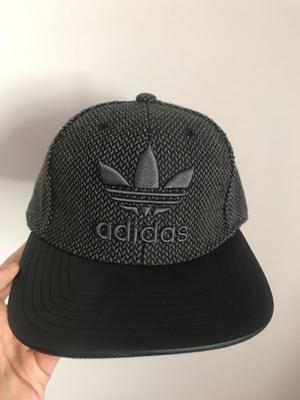 Gorra Adidas Original (Gris)