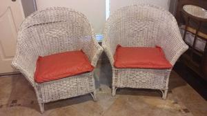 Vendo sillones de mimbre pintado banco muy buen estado