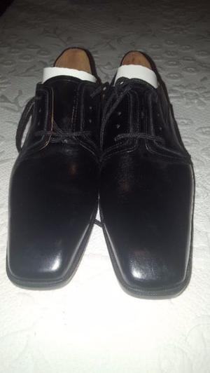 vendo zapatos de hombre de cuero nuevos