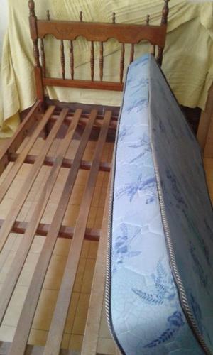 Cama usada y colchón