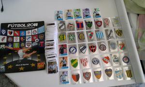 Vendo lote de 440 figuritas diferentes de fútbol