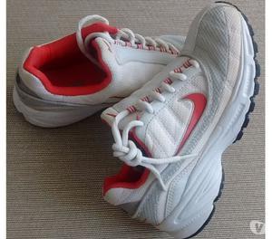 Zapatillas Nike Mujer talle 34 muy buen estado!!!