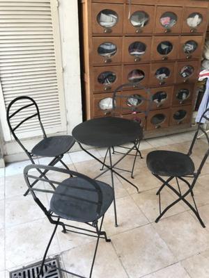 Juego de mesa y sillas de jardín antiguo plegables