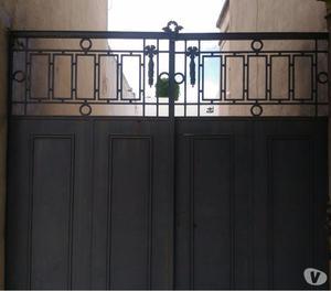 Portón hierro antiguo