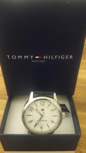 Reloj Tommy Hilfiger malla cuero negra