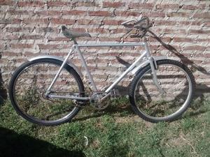 Bicicleta inglesa con frenos a varillas en buen estado