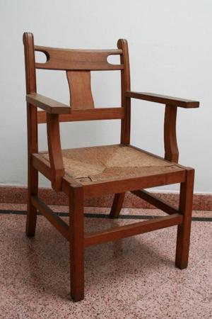 sillones de cedro con asiento de mimbre