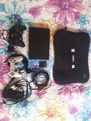 play station 2 en excelente estado, 2 joystick con 15 juegos