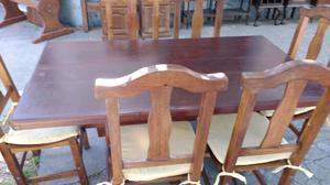 Antiguo juego de mesa y sillas de algarrobo