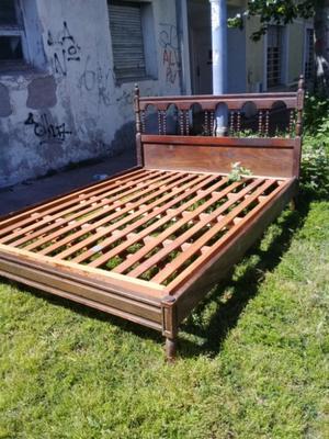 Hermosa cama 2 pl estilo