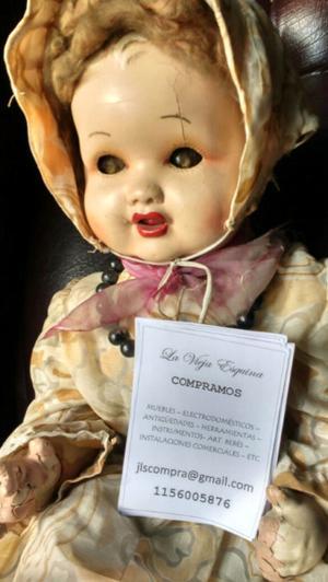 Hermosa muñeca antigua de colección
