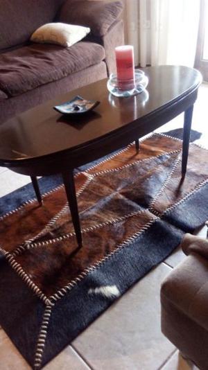 Mesa ratona de estilo liquido
