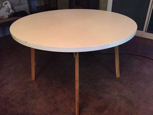 Mesa redonda libro diametro abierto caballito posot class for Mesa algarrobo usada