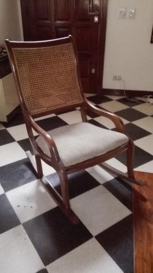 SILLON MECEDOR EN ROBLE CON RESPALDO DE ESTERILLA