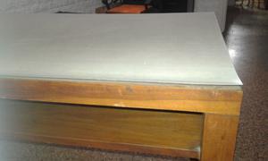 Vendo mesa de madera y formica blanca