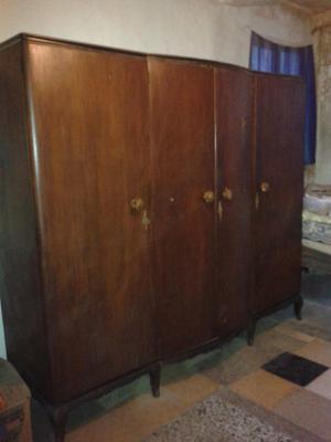 ropero antiguo de cedro