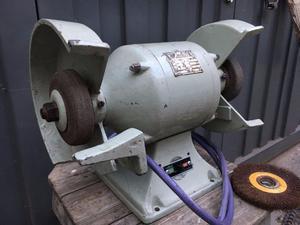 Amoladora de banco trifasica 0,5 hp con dos piedras y un