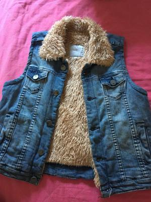 Chaleco de jean con peluche, marca Muaa