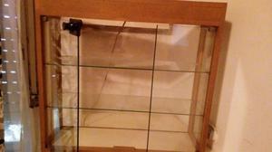 Exibidor de vidrio y madera con luz para relojería y