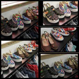 Lote de zapatos sandalias y zapatillas