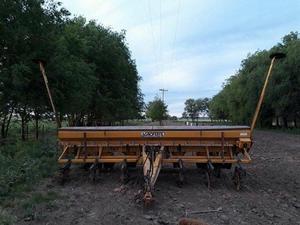 vendo sembradora agrometal de 7 a 70