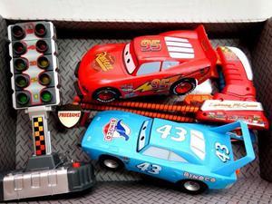 CARS / RAYO MCQUEEN: VARIEDAD DE JUGUETES. TARJ/EFEC