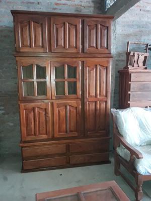 Muebles en algarrobo