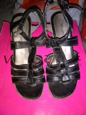 Vendo sandalias num 36