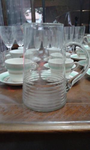 Jarra de vidrio antigua