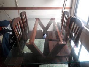 Mesa de algarrobo con vidrio y 6 sillas