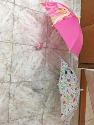 Paragua para niña Barbie y paragua para niño celeste
