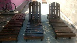 Se vende reposera de madera