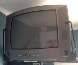 TV Philips 20 pulgadas CON SOPORTE DE PARED