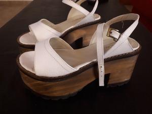 Vendo sandalias, N° 37 (dos usos) prácticamente nuevas