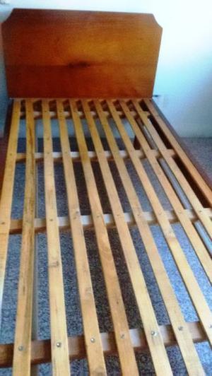 Cama 1 plaza y media, de madera