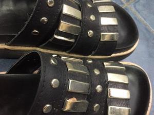 Sandalias moda talle 39 negras con tachas