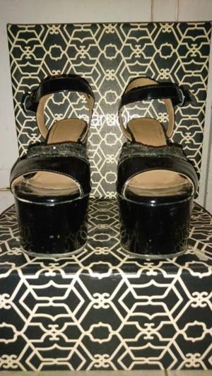 Sandalias negras Paruolo