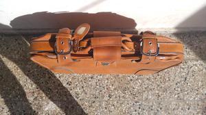 Vendo valija de viaje modelo antiguo sin uso