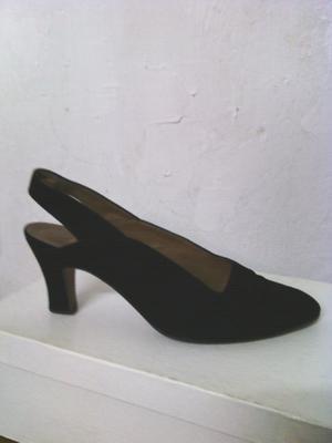 Zapatos de Gamuza. Negro. 38.