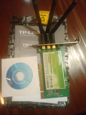 Placa de wifi TP-Link 3 antenas para PC, con CD y manual.