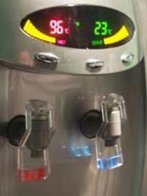 Alquiler Dispenser Frío Calor A Red Digital Con Heladera