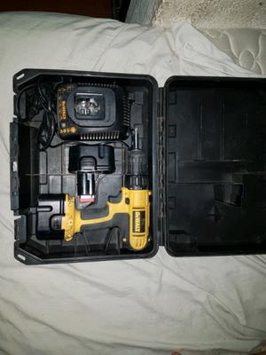 Taladro atornillador dewalt con 2 baterias