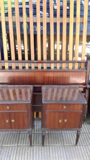 Antiguo juego de dormitorio estilo inglés cama y mesas de