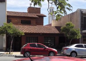 HERMOSA CASA EN PLENO CENTRO DE TRELEW
