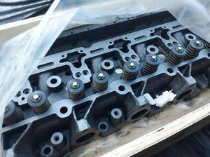 Tapa de cilindro Cummins 6 CT de motor Ford Cargo y