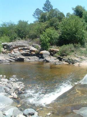 VACACIONES 2018: deptos con bajada al rio en Villa los