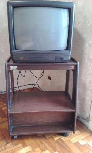 tv SANYO 20 Pulgadas con control remoto mesa