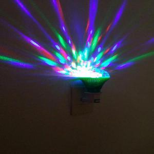 Lampara LED RGB Giratoria Luces Efectos de fiestas